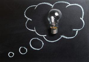 Idée ampoule craie tableau noir