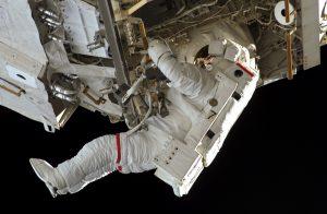 astronaute sortie espace